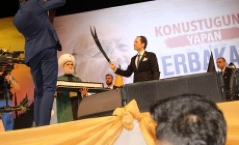 Fatih Erbakan Kılıcı Kınında Çıkardı