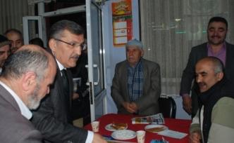 Murat Başkan halkı dinledi; Çözüm de tedavi de mevcut