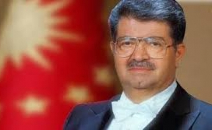 8'nci Cumhurbaşkanı Turgut Özal'a Buruk Anma