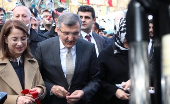 Bakan Ayşenur İslam Zeytinburnu'nda