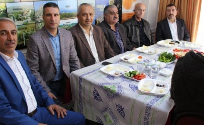 Cengiz Kaçar'dan anlamlı kahvaltı programı