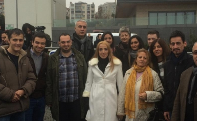 CHP'li gençler 16/9'u Yıkmayan Zeytinburnu Belediyesini protesto etti