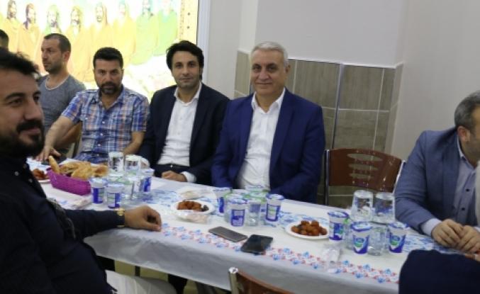 Murat Elmas'ın Verdiği Birlik İftarına yoğun ilgi oldu