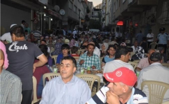 Murat Aydın sürekli halk ile birlikte
