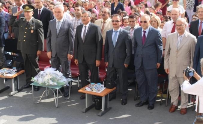 Zeytinburnu'da 2014-2015 Eğitim dönemine merhaba dedi