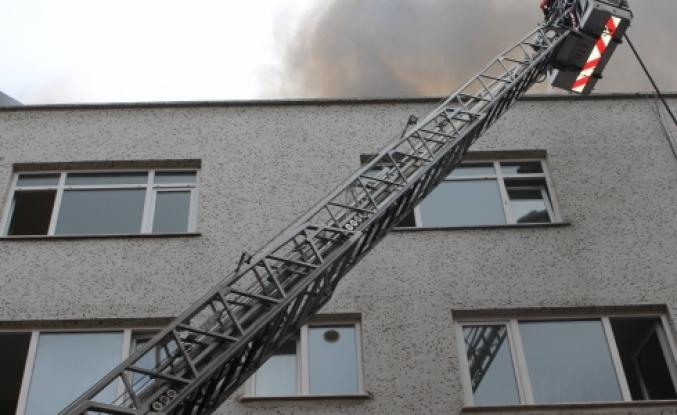 Zeytinburnu'nda korkutan yangın